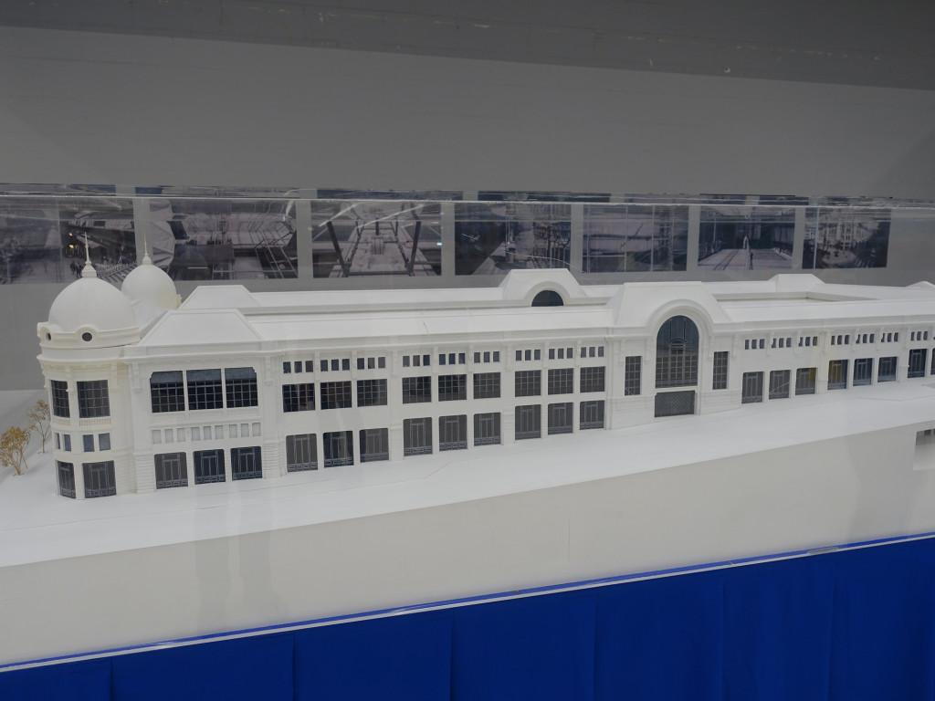 Model der riesigen Markthalle