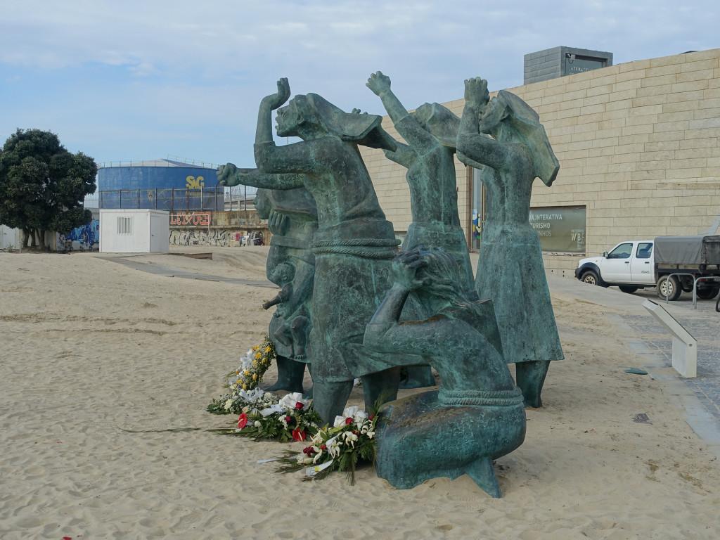 Denkmal für 152 Fischer, die 1947 in einem Sturm ertranken
